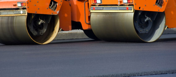 Key Factors for Choosing the Right Asphalt Paving Contractor